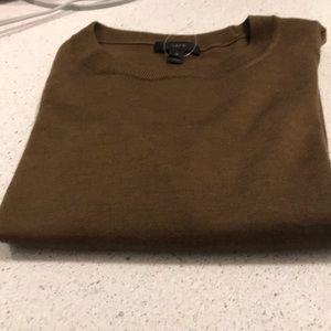 Crew sweater light weight merino